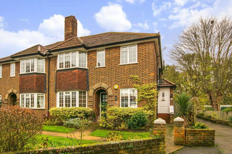 2 Bedrooms Maisonette Flat for sale in Ditton Lawn, Thames Ditton, KT7