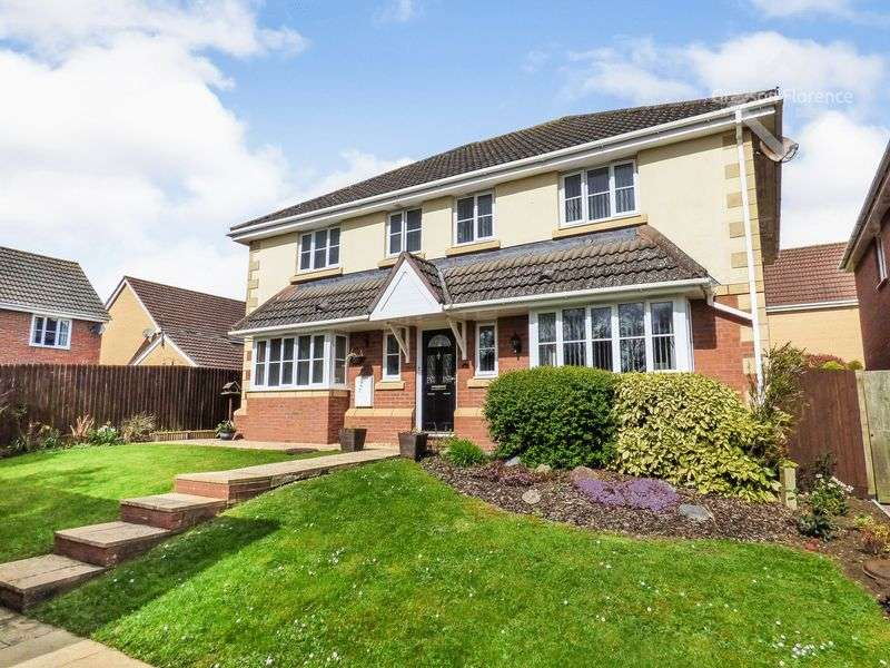 4 Bedrooms Detached House for sale in Spring Meadows, Trowbridge