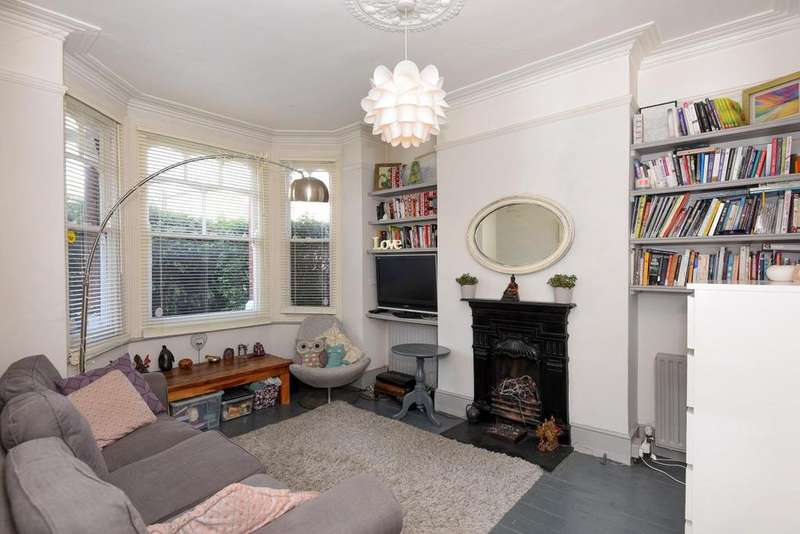 2 Bedrooms Maisonette Flat for sale in Valetta Road, Acton, W3