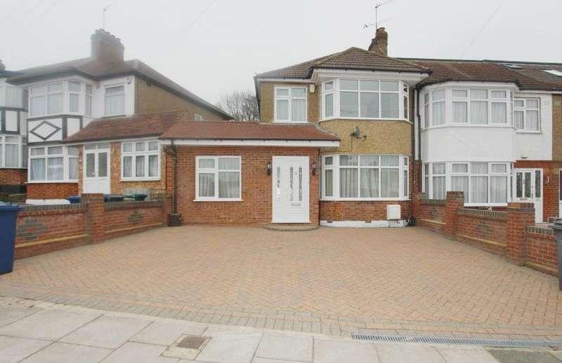 3 Bedrooms Semi Detached House for sale in Daneland, Barnet, EN4