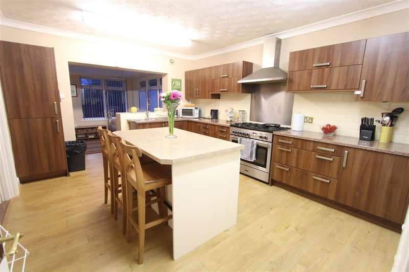 4 Bedrooms Semi Detached House for sale in Bowland Avenue, Childwall, Liverpool