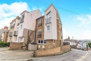 4 Bedrooms End Of Terrace House for sale in Bower Lane, Maidstone, Kent