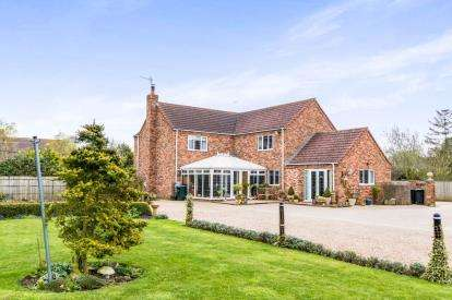 4 Bedrooms Detached House for sale in Main Road, Sibsey, Boston, Lincolnshire