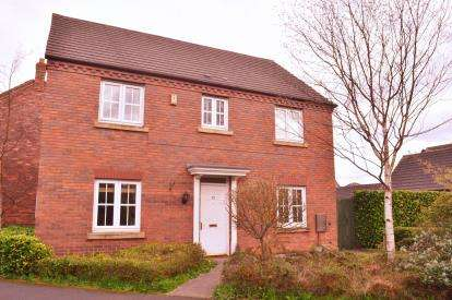 4 Bedrooms Detached House for sale in Walnut Walk, Lichfield, Staffordshire