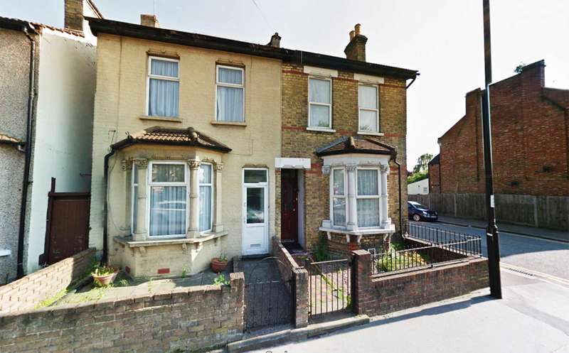 3 Bedrooms Semi Detached House for sale in Derby Road, Croydon