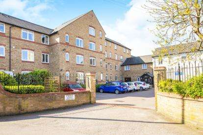 2 Bedrooms Retirement Property for sale in Waterside Court, Church Street, St. Neots, Cambridgeshire
