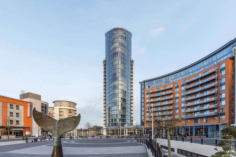 2 Bedrooms Flat for sale in Gunwharf Quays, Portsmouth