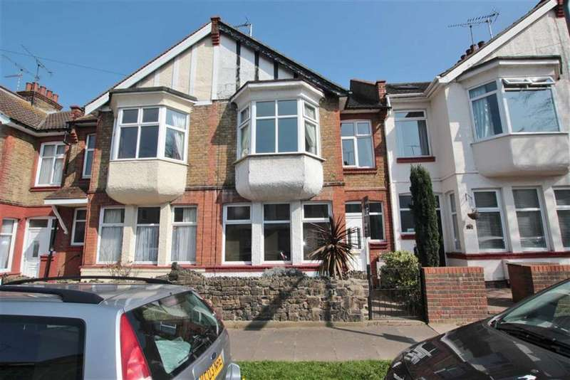 3 Bedrooms Terraced House for sale in Inverness Avenue, Westcliff-On-Sea, Essex