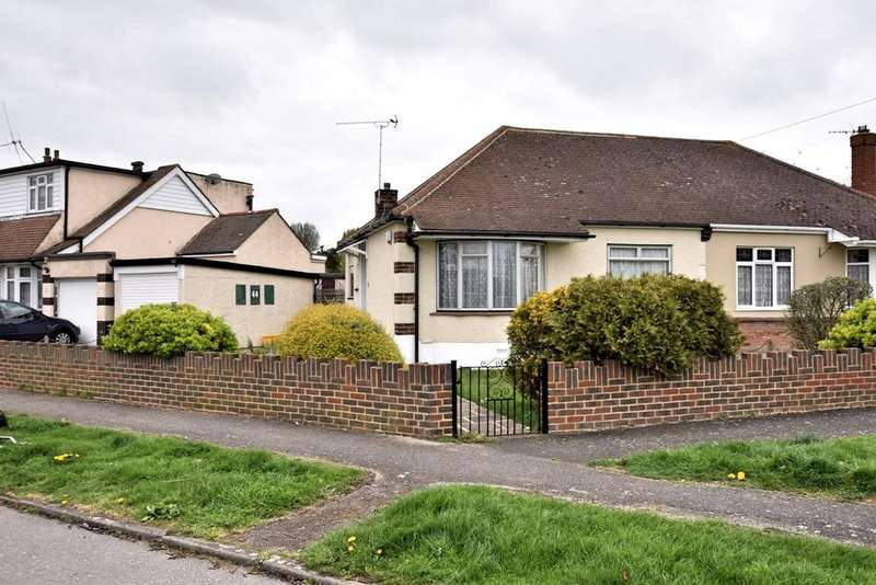 2 Bedrooms Semi Detached Bungalow for sale in Philmead Road, Benfleet