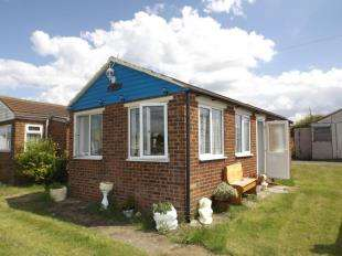 2 Bedrooms Bungalow for sale in Warden Bay Road Leysdown, Sheerness, Kent