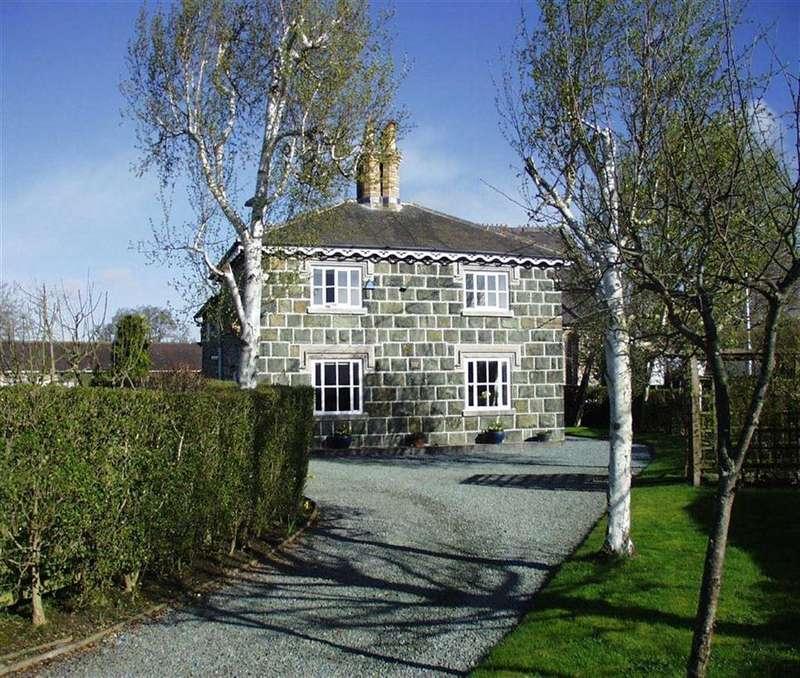 3 Bedrooms Detached House for sale in Domgay House And Chapel, Four Crosses, Llanymynech, Powys, SY22
