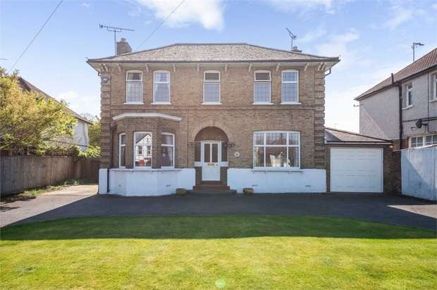 4 Bedrooms Detached House for sale in Park Crescent, Erith, Kent