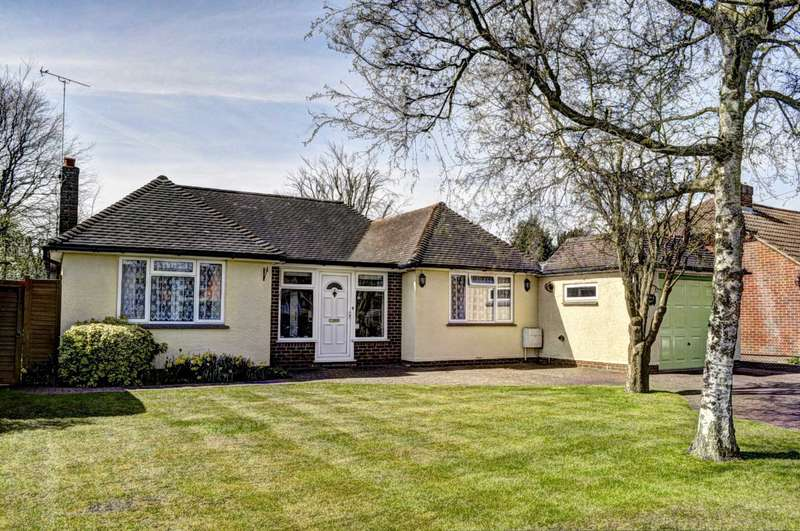 3 Bedrooms Detached Bungalow for sale in Chestnut Way, Longwick