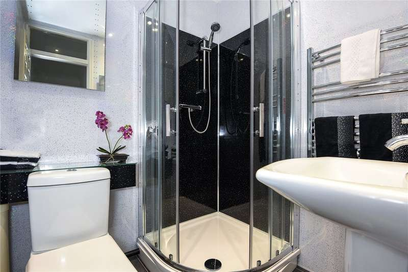 2 Bedrooms Terraced House for sale in Prestwick Road, Watford, WD19