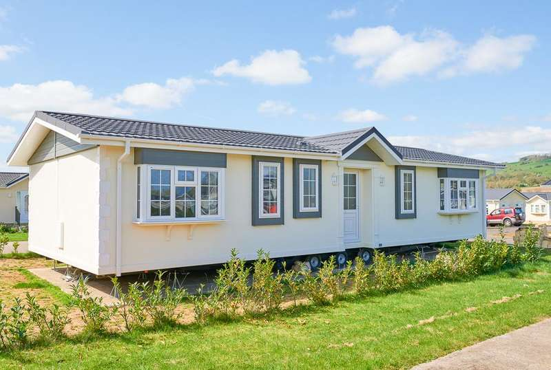 2 Bedrooms Park Home Mobile Home for sale in LCV9139, Evesham, Worcestershire, WR11 7QP