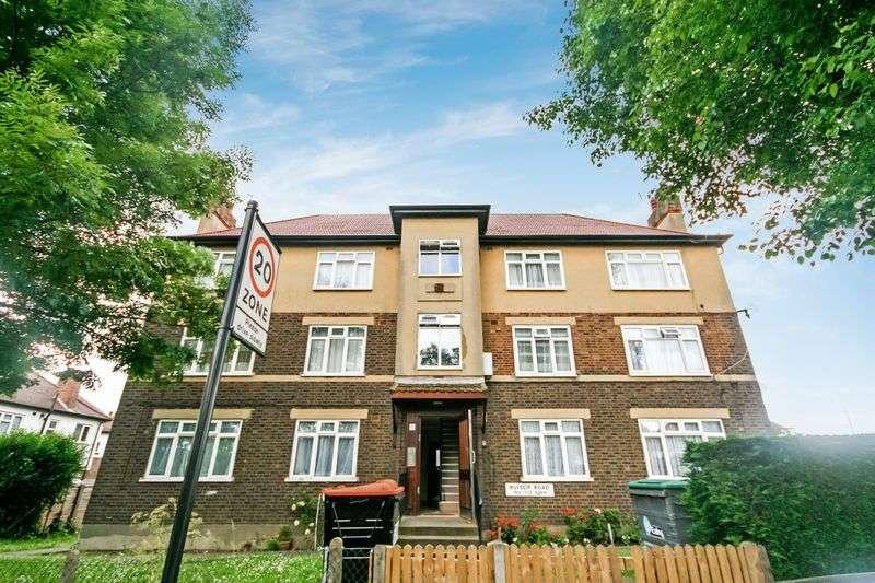 2 Bedrooms Flat for sale in Ruislip Road, Greenford