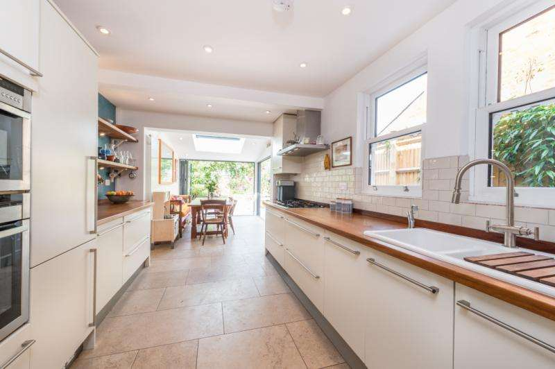 3 Bedrooms Semi Detached House for sale in Southfield Road, East Oxford