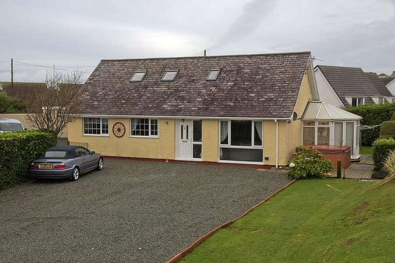 4 Bedrooms Detached Bungalow for sale in Isallt Estate, Trearddur Bay, North Wales