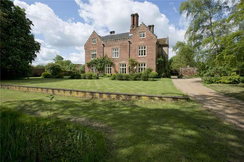 6 Bedrooms Detached House for sale in Common Road, East Tuddenham, Dereham, Norfolk