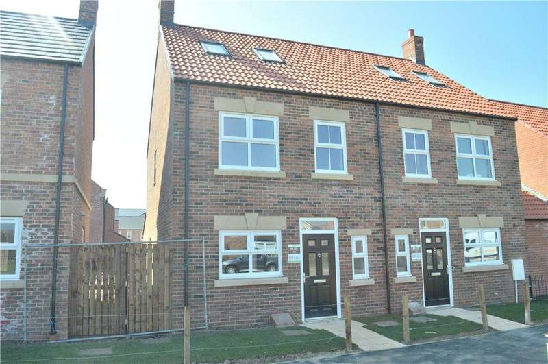 3 Bedrooms Semi Detached House for sale in The Oaks, Topcliffe Road, Thirsk