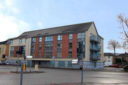 2 Bedrooms Flat for sale in Cambuslang Road, Cambuslang