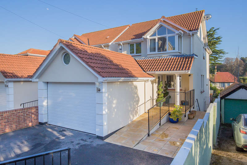 4 Bedrooms Detached House for sale in Southfield Avenue, Paignton