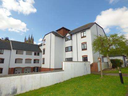 2 Bedrooms Flat for sale in Church Street, Exeter, Devon
