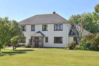 5 Bedrooms Detached House for sale in Ruan Minor, Helston, Cornwall