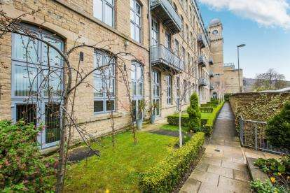 2 Bedrooms Flat for sale in Valley Mill, Park Road, Elland, West Yorkshire