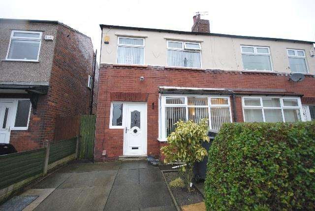 3 Bedrooms Property for sale in Roundhouse Avenue, Whelley