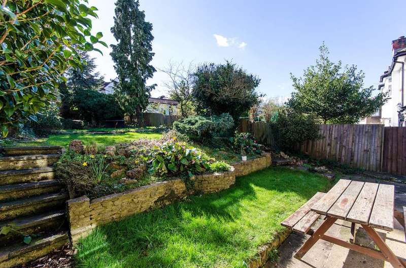 3 Bedrooms House for sale in West Hill, Wembley, HA9