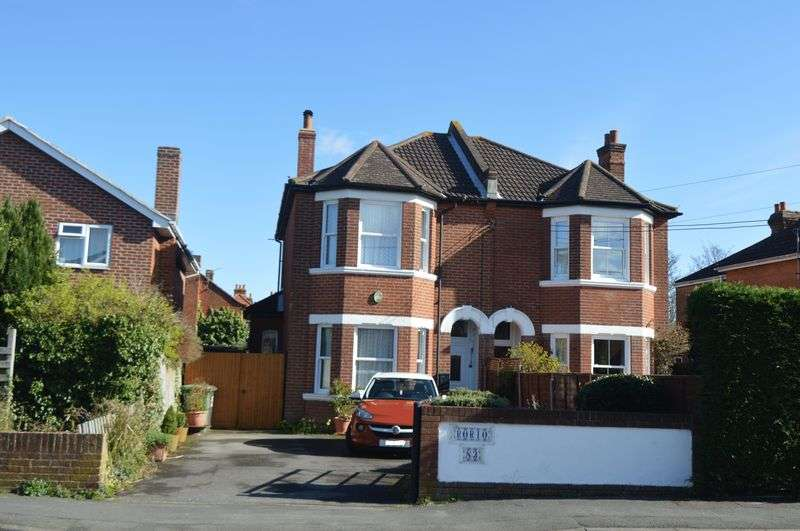 3 Bedrooms Semi Detached House for sale in Station Road, Netley Abbey, Southampton