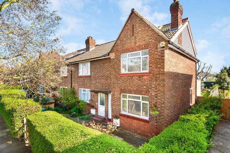3 Bedrooms Semi Detached House for sale in Thompson Avenue, Kew, TW9