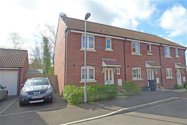 3 Bedrooms Semi Detached House for sale in Moon Pond Lane, Wincanton