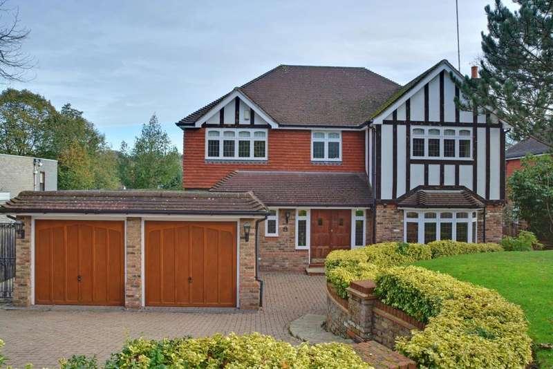 5 Bedrooms Detached House for sale in Denbridge Road, Bickley, Kent, BR1