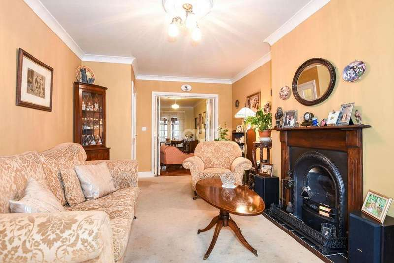 3 Bedrooms Detached House for sale in Brandon Road, IP25