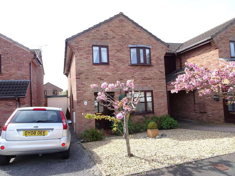 3 Bedrooms Detached House for sale in LIME TREE WAY, NEWTON, PORTHCAWL, CF36 5AU