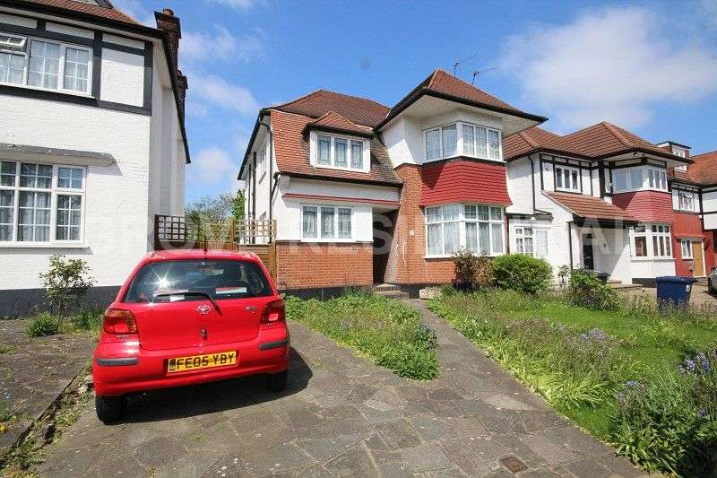 2 Bedrooms Maisonette Flat for sale in Hazel Gardens, Edgware