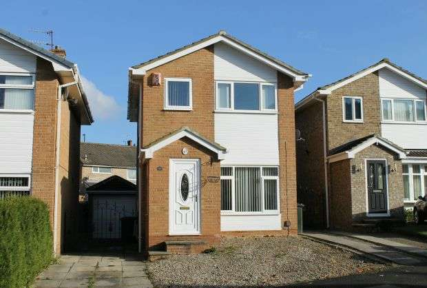 3 Bedrooms Detached House for sale in Brocklesby Road, Hunters Hill, Guisborough