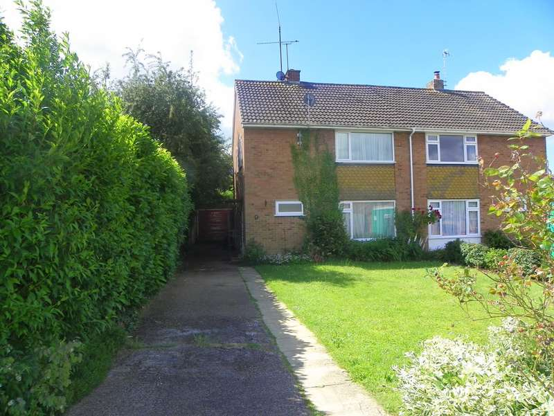 3 Bedrooms Semi Detached House for rent in Amberley Drive, Twyford, Reading, RG10