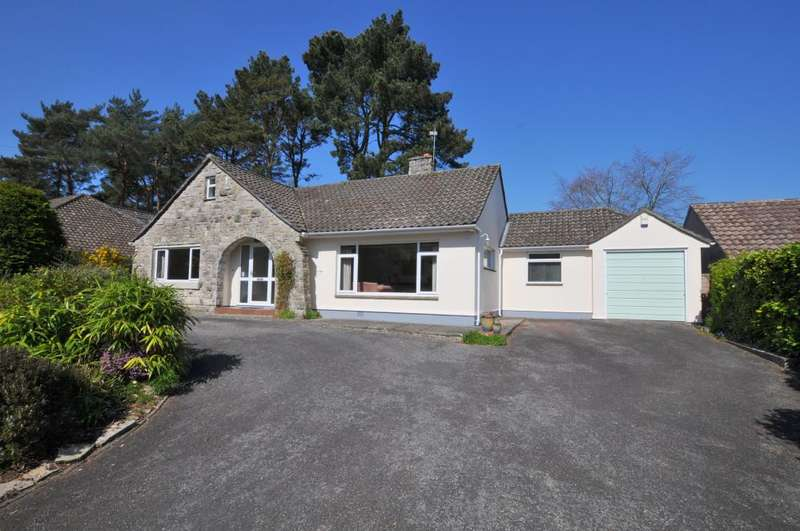 3 Bedrooms Detached Bungalow for sale in St Ives Park, Ashley Heath, Ringwood, BH24 2JY