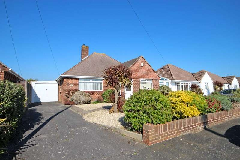 2 Bedrooms Detached Bungalow for sale in Honeybourne Crescent, Hengistbury Head, Bournemouth