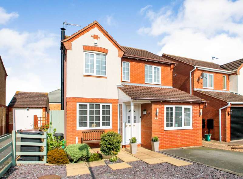 4 Bedrooms Detached House for sale in Bluebell Rise, Rushden