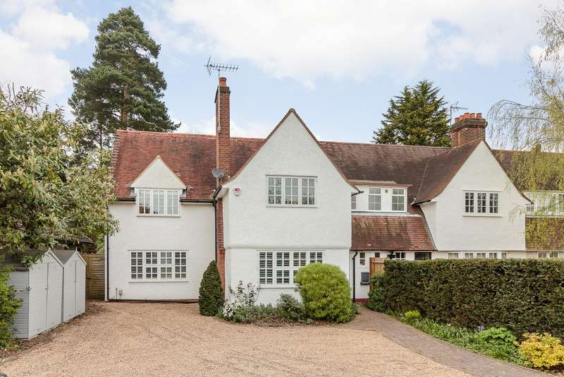 4 Bedrooms End Of Terrace House for sale in Esher