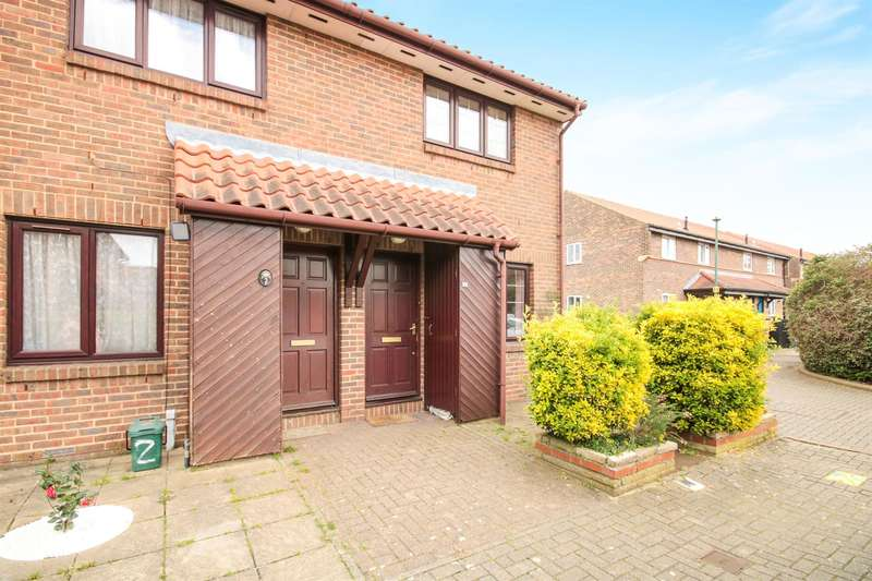 2 Bedrooms End Of Terrace House for sale in Aylets Field, Harlow, CM18