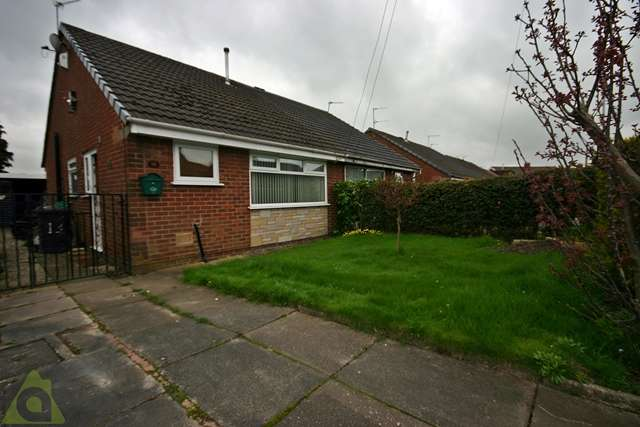 2 Bedrooms Semi Detached Bungalow for sale in Desmond Street, Atherton, M46