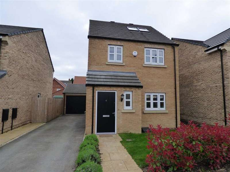 4 Bedrooms Detached House for sale in Amos Drive, Pocklington