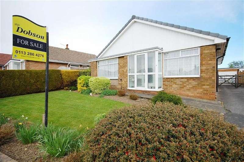 3 Bedrooms Detached Bungalow for sale in Derwent Avenue, Garforth, Leeds, LS25