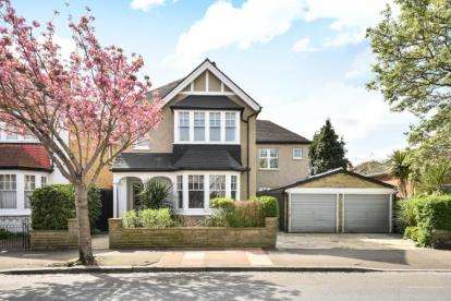 5 Bedrooms Detached House for sale in Cromwell Road, Beckenham