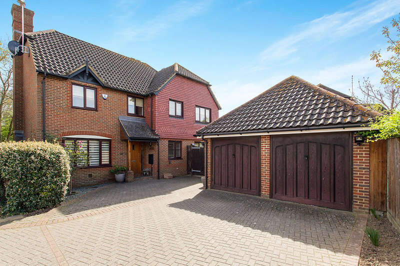 5 Bedrooms Detached House for sale in The Foxgloves, Paddock Wood, Tonbridge, TN12